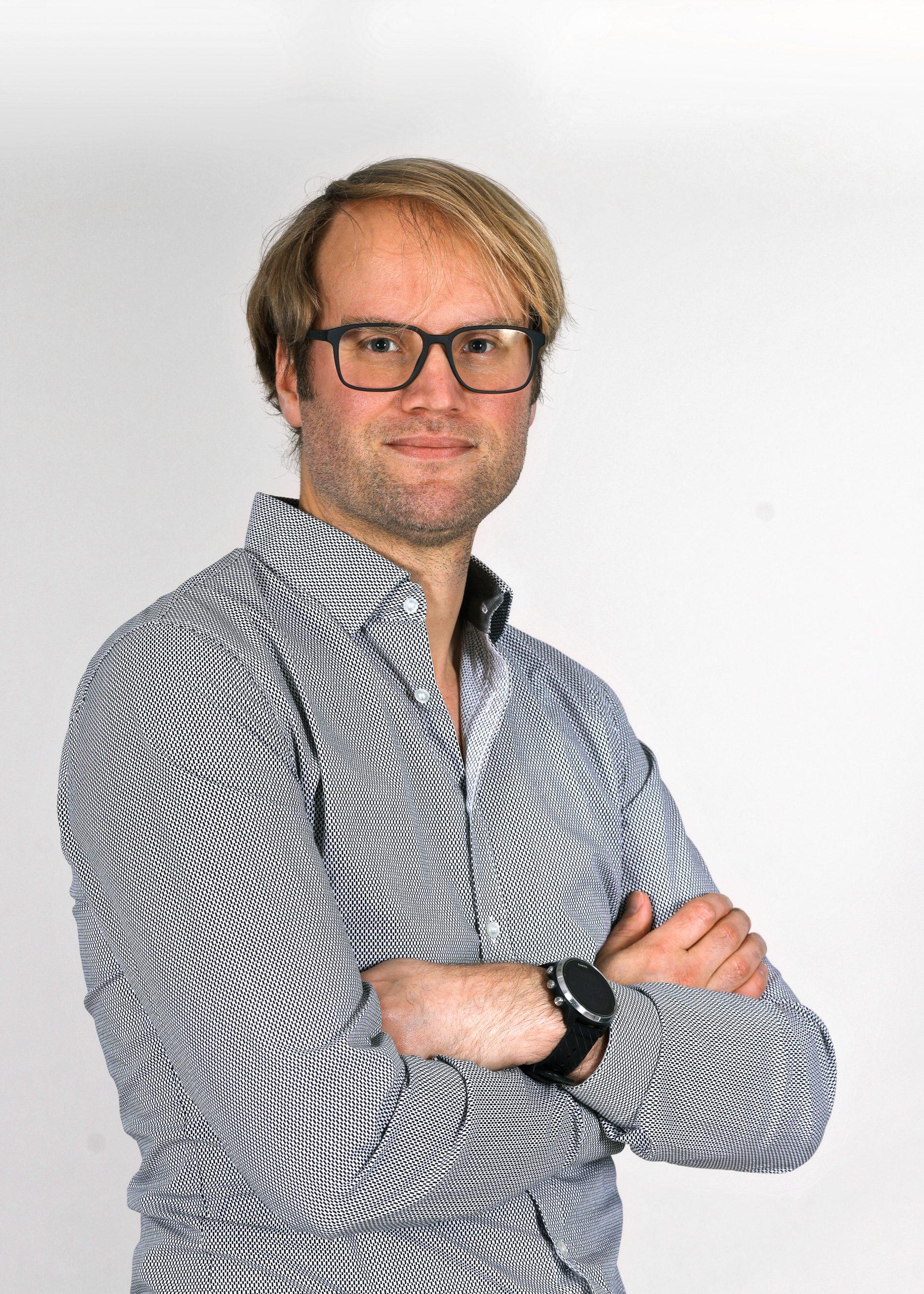 Dr. Stefan Freischlad